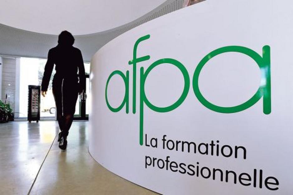 Formation professionnelle : des transferts aux régions au 1er janvier 2015 sans moyens ? - Michèle Leflon