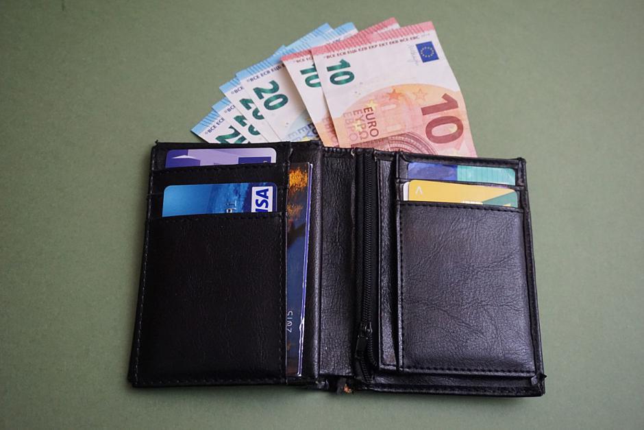 Le portefeuille des parents contre le mérite